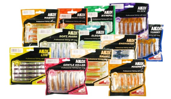 Разноцветные пачки приманок Akkoi