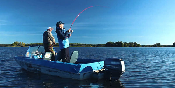 Судаковая рыбалка с лодки