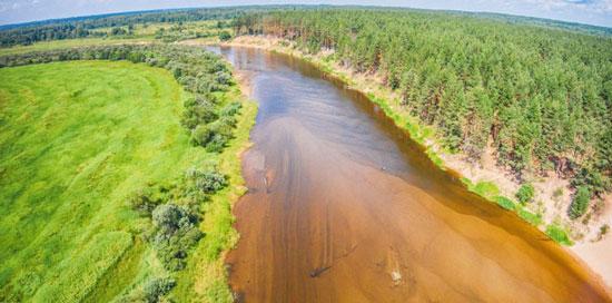 Песчаные борозды на дне реки